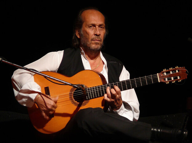 Paco de Lucia combines fierce allegiance to tradition, strong appreciation for contemporary genres.