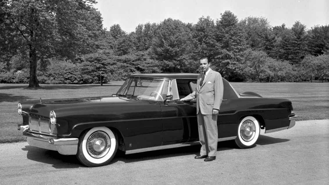 Detroit 39 s william clay ford dies at age 88 wbur news for Ford motor company truck division