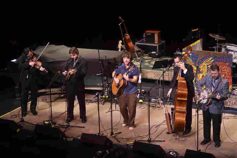 By collaborating with experimental guitarist Keller Williams, the Travelin' McCourys continue their tradition of combining bluegrass with modern sounds.