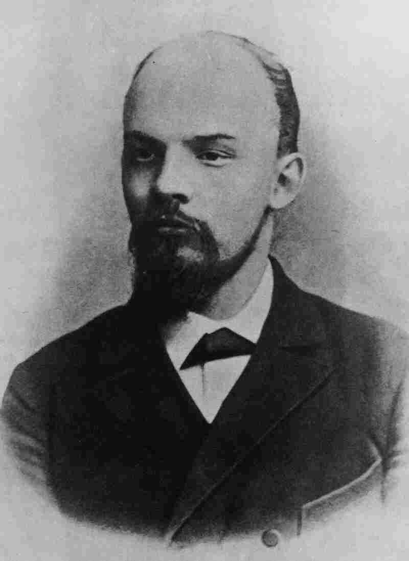 Vladimir Lenin in 1900. In our counterfactual history, his career as the producer of the musical Pins and Needles is only a few years away.