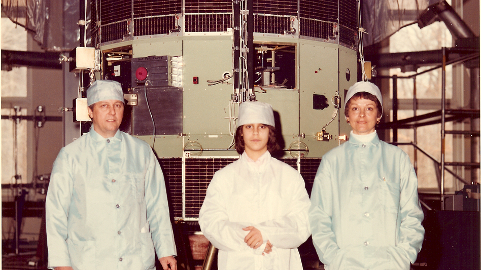 Some time before the satellite's 1978 launch, Robert Farquhar's daughter Patricia, and wife, Bonnie, joined him in a family photo with ISEE-3. (Courtesy of Robert Farquar)