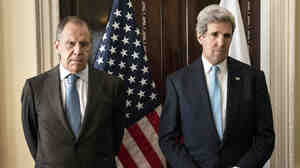 Russian Foreign Minister Sergei Lavrov, left, and U.S. Secretary of State John Kerry before their talks Friday in London. Afterward, they reported no breakthroughs on finding a solution to the crisis in Ukraine.