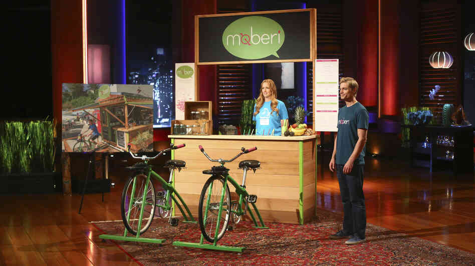 The Moberi bike-powered smoothie stand is demonstrated for the investors of Shark Tank.