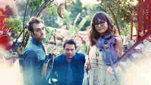 First Listen: Nickel Creek, 'A Dotted Line'