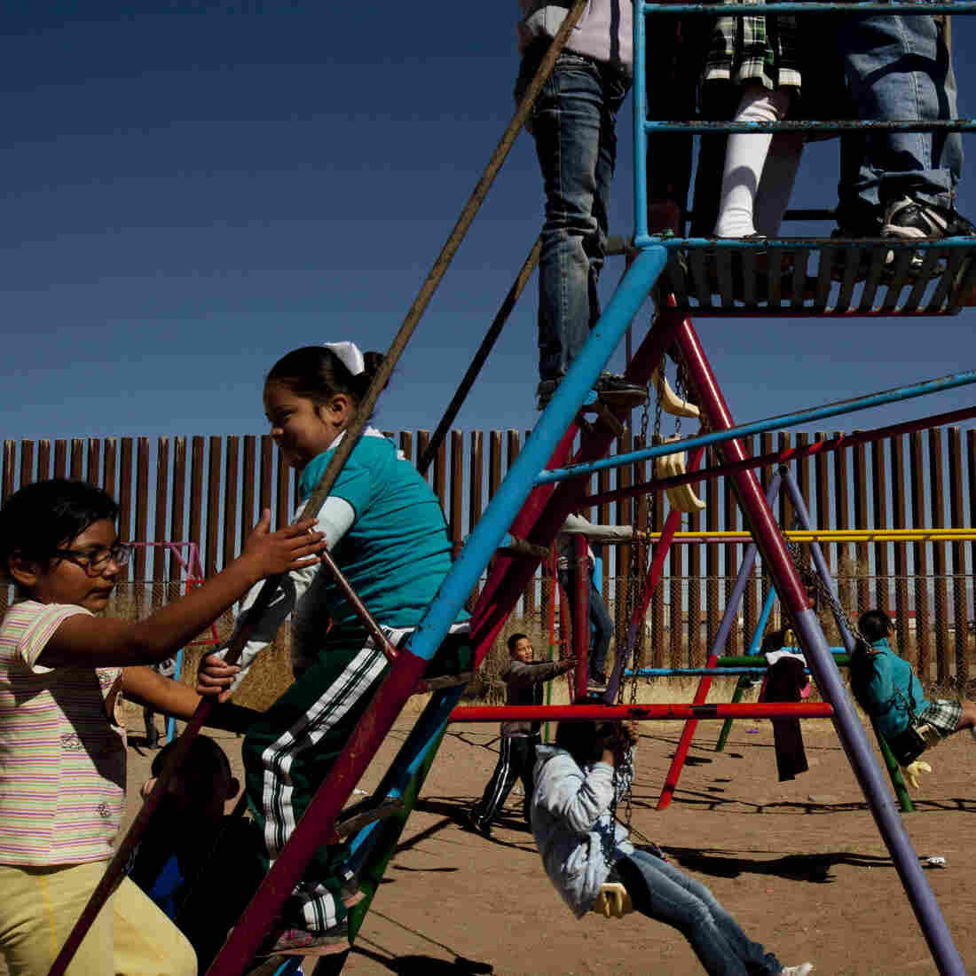 Borderland: Dispatches From The U.S.-Mexico Boundary