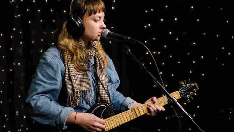 Angel Olsen Performing Live in the KEXP studios.