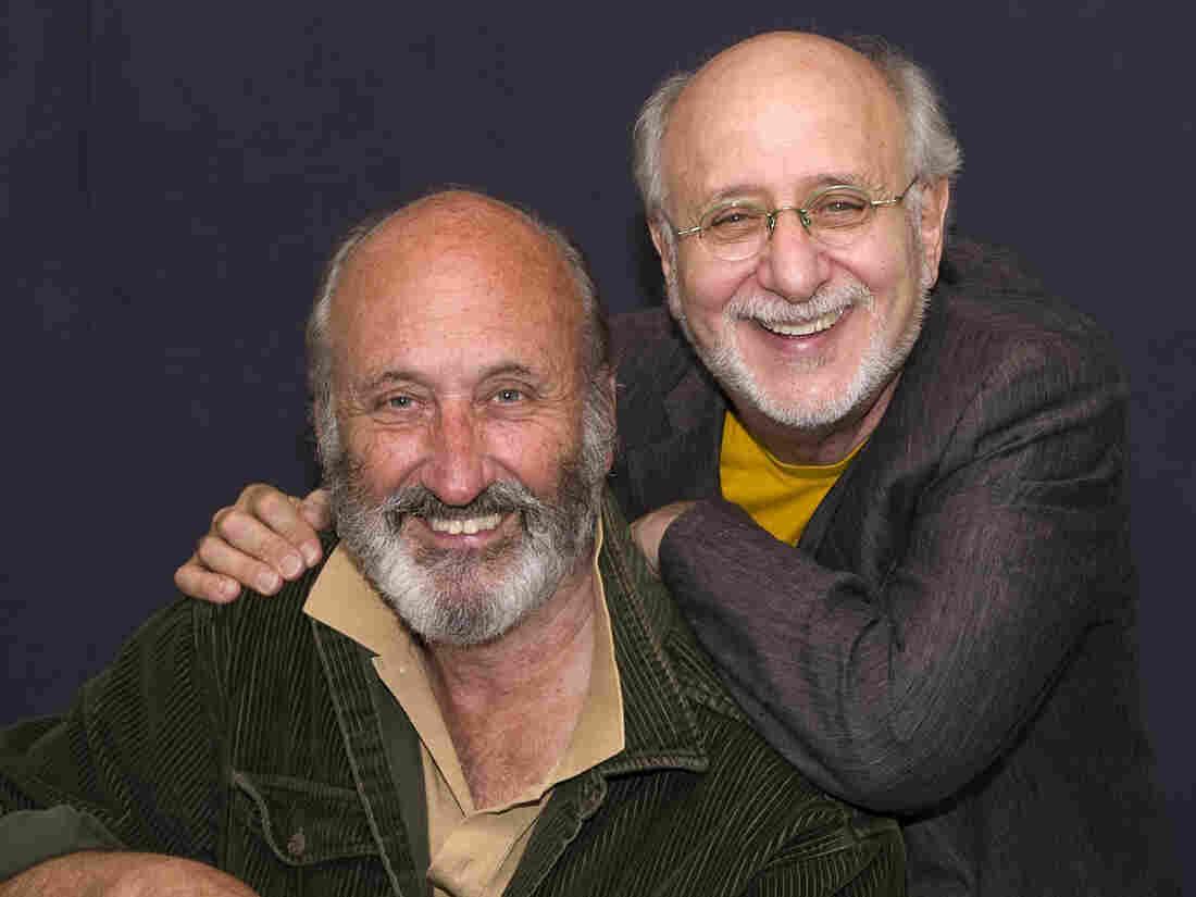 Noel Paul Stookey (left) and Peter Yarrow.