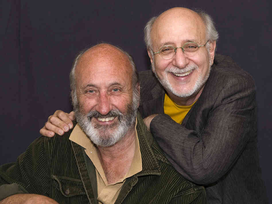 Noel Paul Stookey (left) and Peter Yarrow.