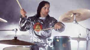 Smashing Pumpkins drummer Jimmy Chamberlin in a 1994 performance.