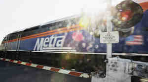 On a typical weekday, riders make a total of about 300,000 trips on the Chicago Metra commuter line.