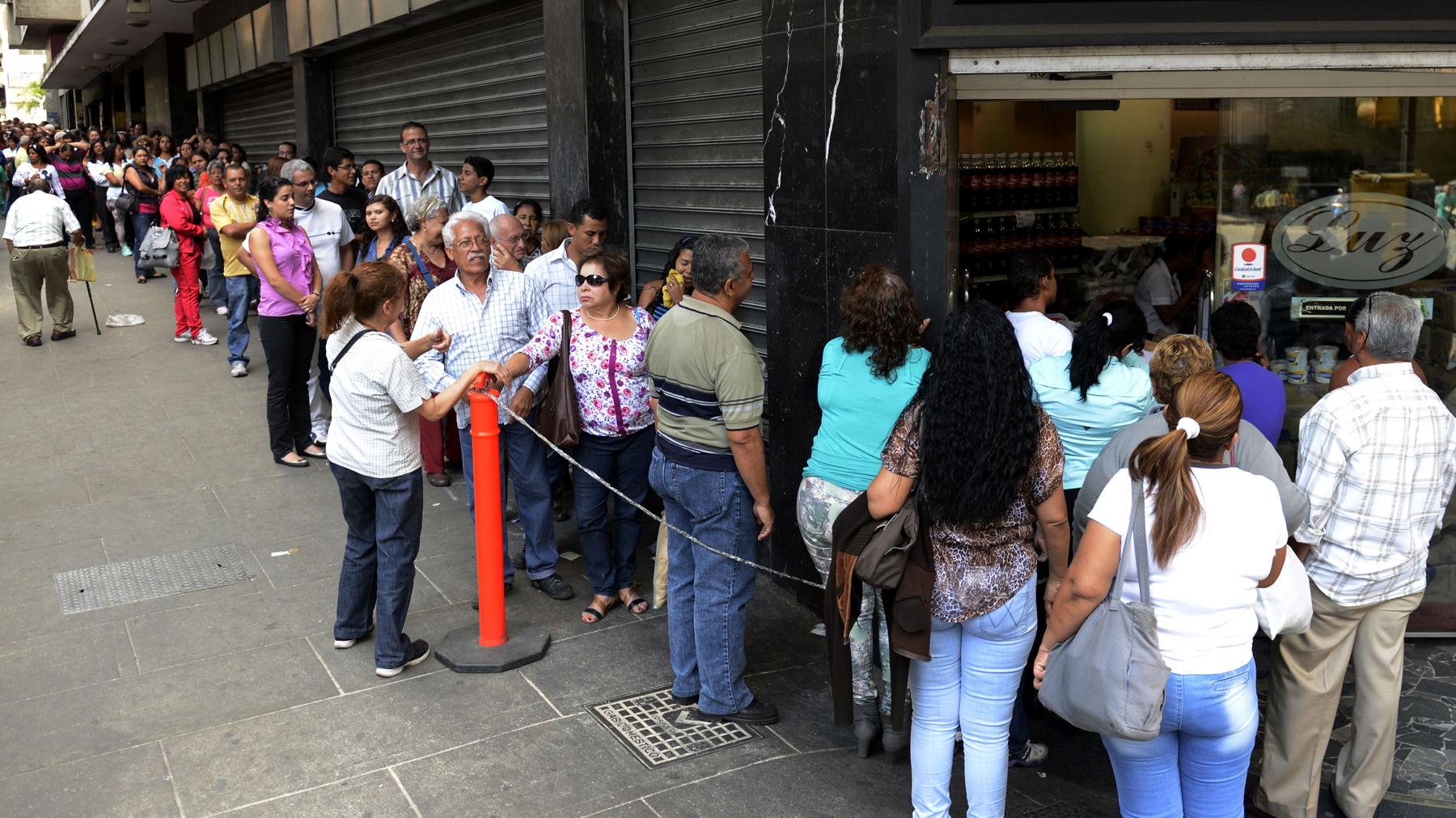 Short On Dollars, Venezuela Tries To Halt Black-Market Trading