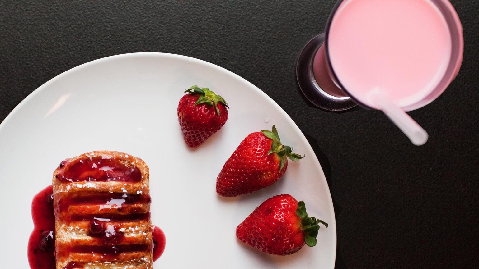 Does Beaver Tush Flavor Your Strawberry Shortcake? We Go Myth Busting