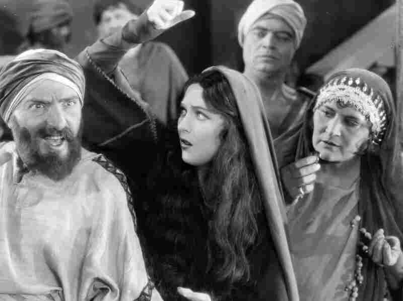 The 1927 biblical epic King of Kings tells the story of the life of Jesus as seen through the eyes of Mary Magdalene.