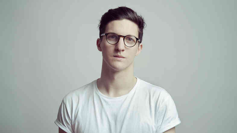 Dan Croll's debut album is Sweet Disarray.