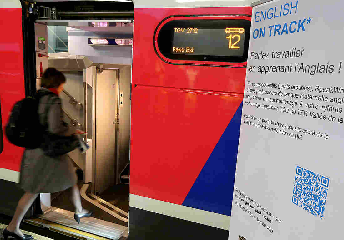 Some passengers have found a way to make the most of a 45-minute train ride from Reims, France to Paris: English lessons.