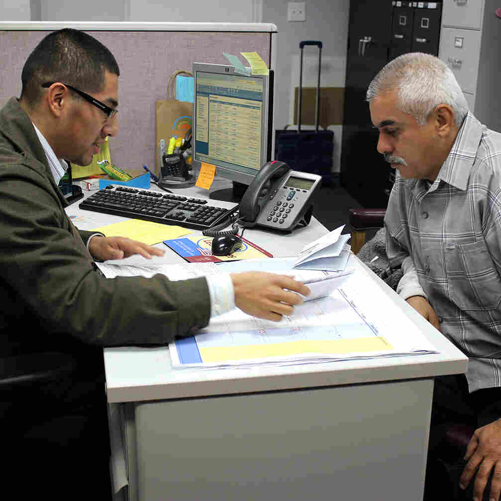 Latinos Live Longer But Struggle To Save Enough For Retirement