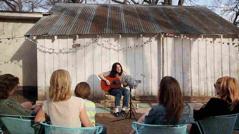 One Wytch, Unplugged In A Sunny Backyard