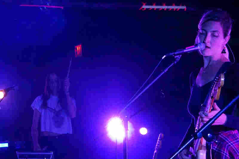 Theresa Wayman (left) and Emily Kokal of Warpaint at the Black Cat in Washington D.C.