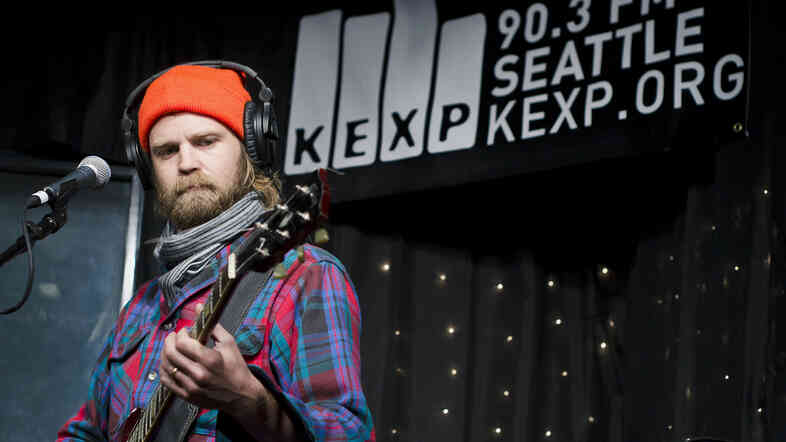Pontiak performs live in the KEXP studios.