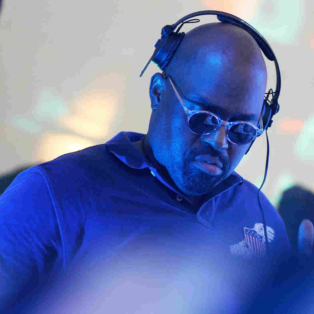 Frankie Knuckles performs at the 2009 Electric Zoo Festival in New York.