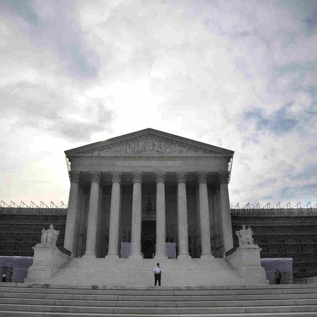 Supreme Court Strikes Down Pillar Of Campaign Finance Limits