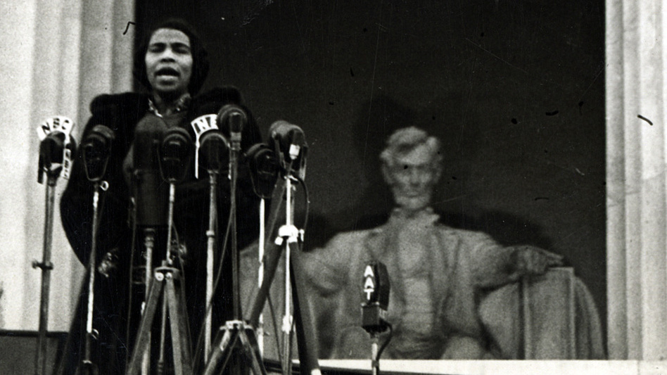 Contralto Marian Anderson sang at the steps of the Lincoln Memorial, April 9, 1939, to an estimated crowd of 75,000 people. (University of Pennsylvania)