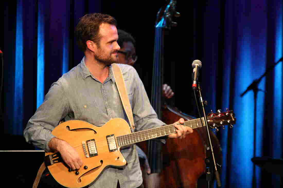 Matthew Stevens performs at Berklee College of Music, with bassist Vicente Archer.