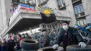 Mob In Ukraine Seizes Provincial Building, Declares Independence