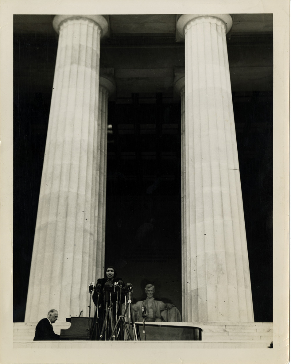 The Lincoln Memorial's tall columns perfectly framed Anderson's majestic voice — a voice conductor Arturo Toscanini said only came around once in a century. (University of Pennsylvania)