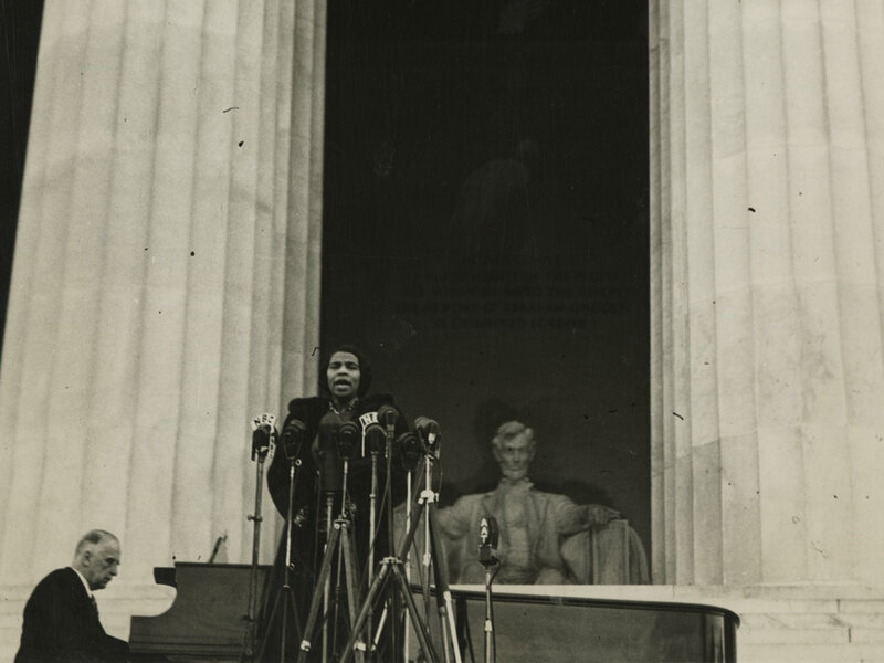 On April 9 1939 Contralto Marian Anderson Sang Before An Audience Of 75000 People