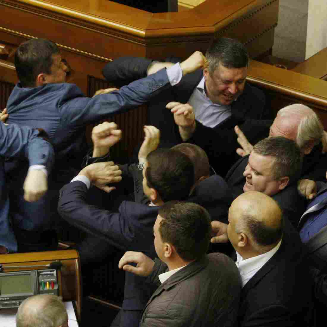 Fists Fly In Ukraine's Parliament After Lawmaker's Speech [VIDEO]