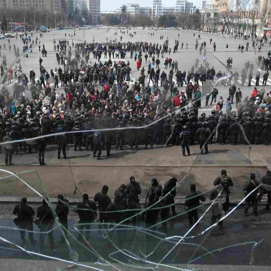 Russia Issues Warning As Ukraine Forcibly Removes Protesters