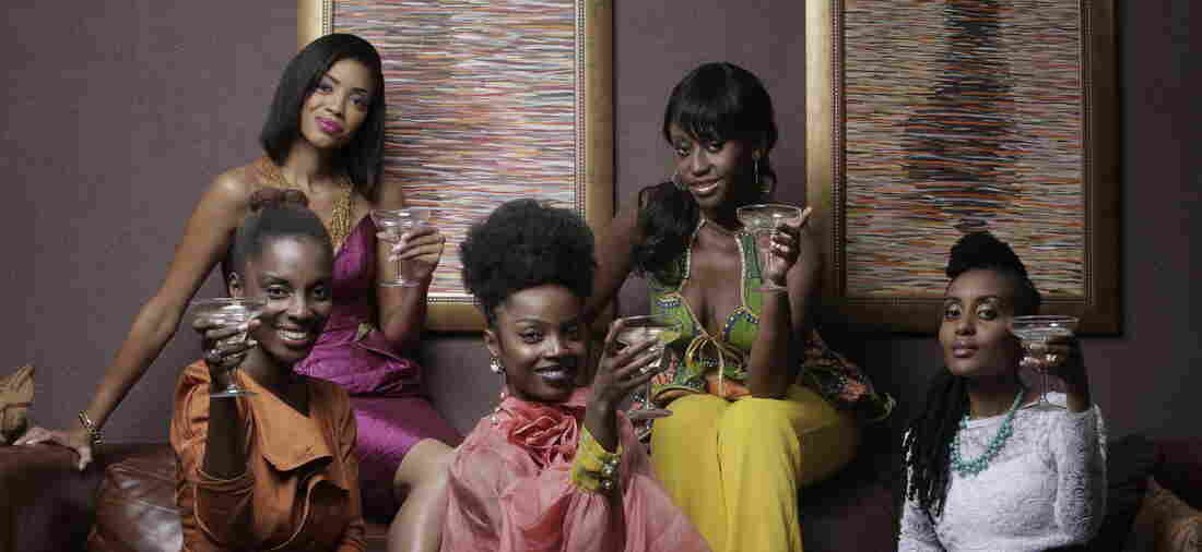 An African City follows the adventures of Ghanaian returnees Nana Yaa and her friends.