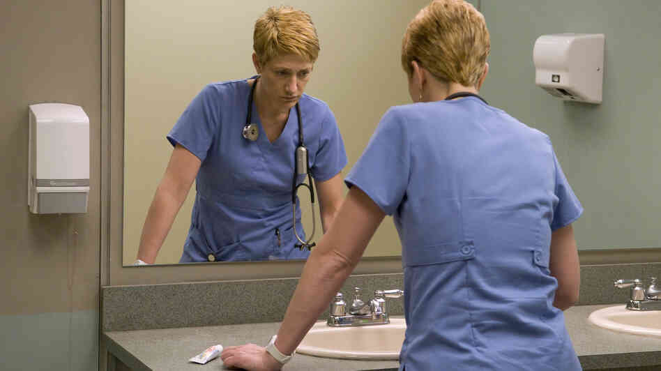 Edie Falco plays ER nurse Jackie Peyton, who is competent at her high-stress job but struggles with addiction. The sixth season of Nurse Jackie starts Sunday on Showtime.