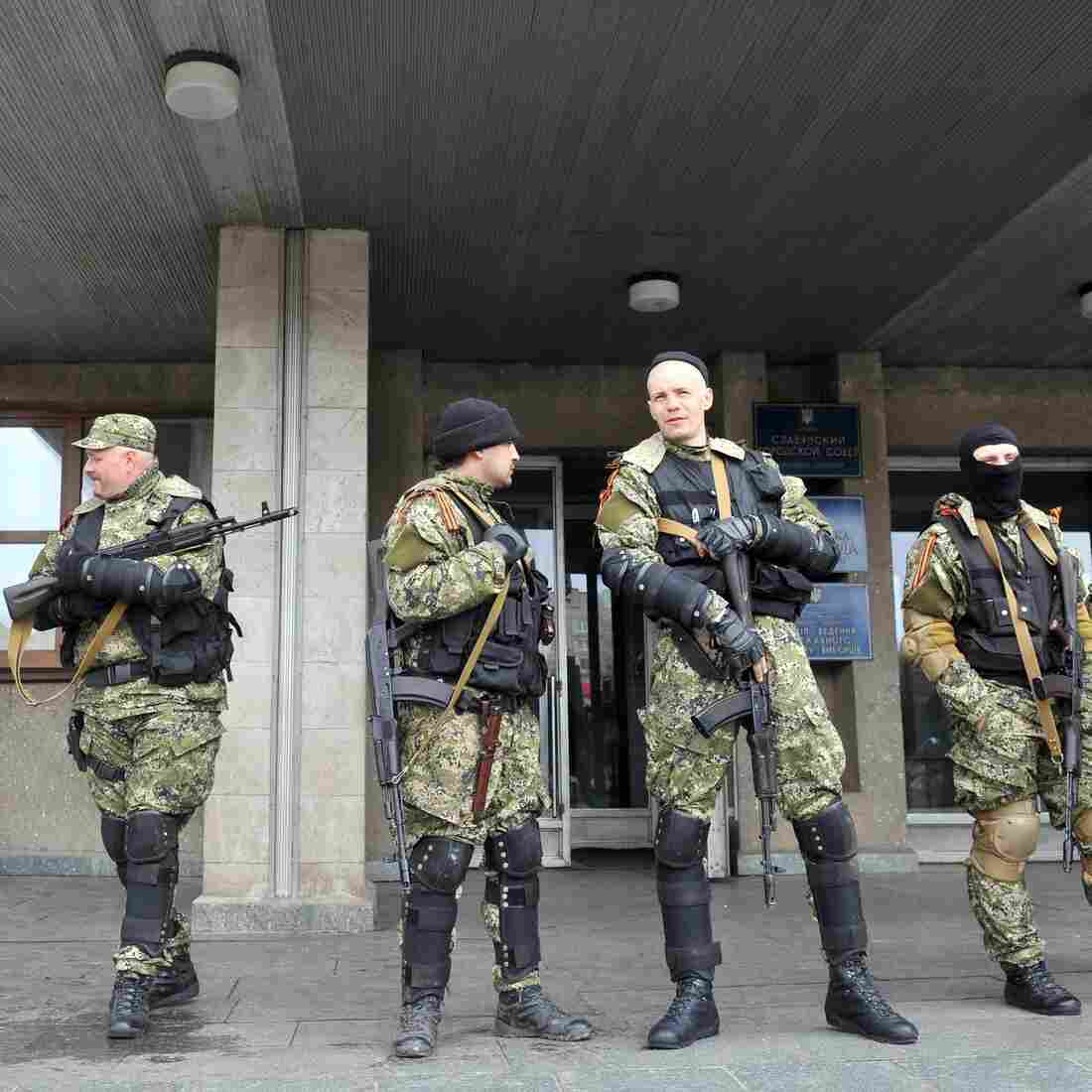 In Ukraine: Pro-Russia Occupiers Defy Deadline, War Fears Grow