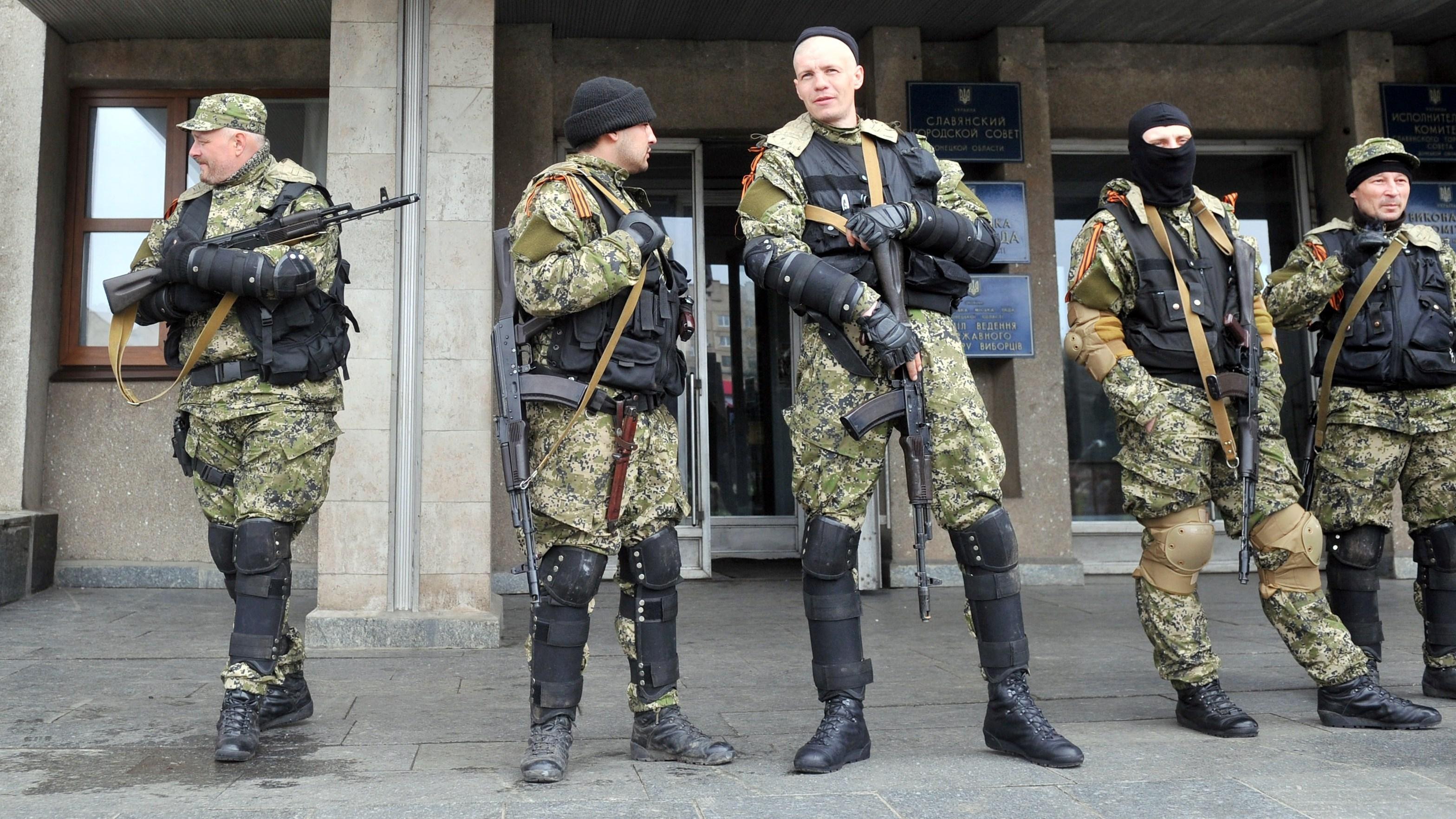 In Ukraine: Pro-Russia Occupiers Defy Deadline, War Fears Grow