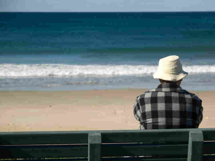 Old man, sea-gazing.