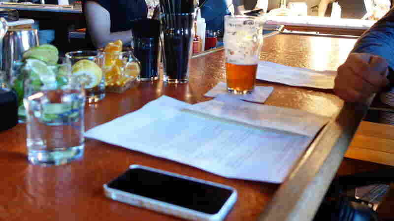 Restaurants: The Modern-Day Lab For Our Smartphone-Obsessed Ways