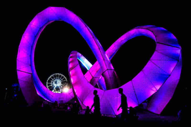Light Weaver installation, designed by Stereo.Bot.