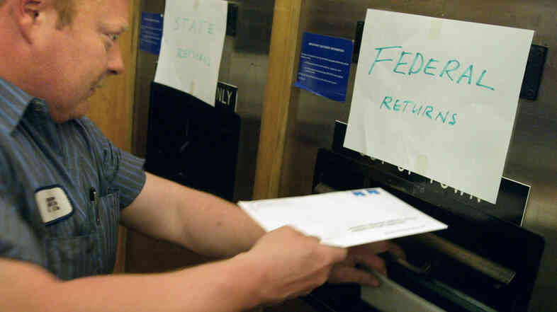 Mailing your taxes in just before midnight: That's so 2002.