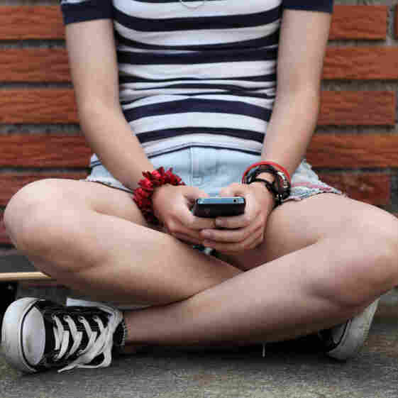 Teen Sexting Not So Bad?