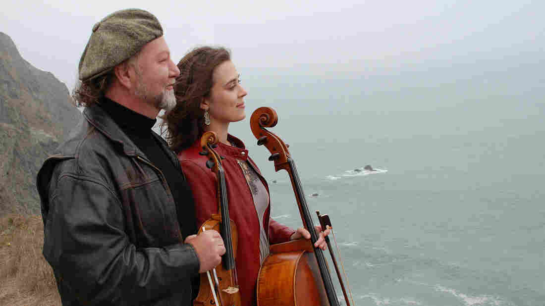 Alasdair Fraser (left) and Natalie Haas.