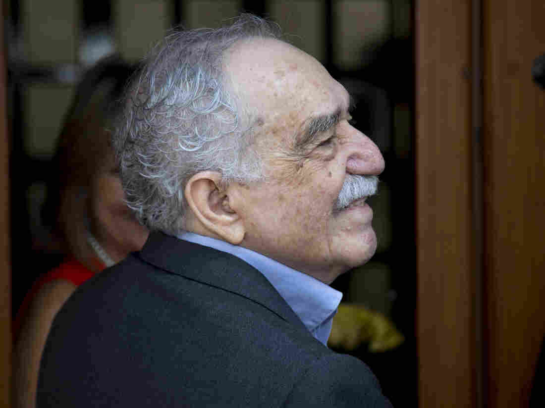 Nobel literature laureate Gabriel Garcia Marquez greets fans and reporters outside his home in Mexico City on March 6, his birthday.