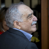 Nobel Literature laureate Gabriel Garcia Marquez greets fans and reporters outside his home on his birthday in Mexico City, on March 6, 2014.