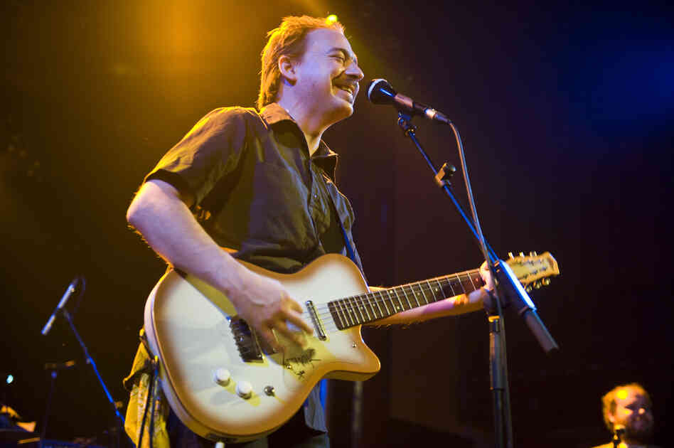 Jason Molina performs in Barcelona with Magnolia Electric Co. in 2009.