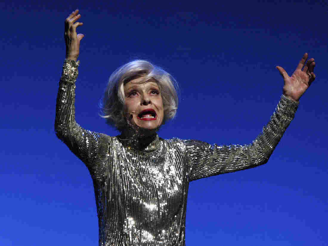 """Carol Channing performs """"Razzle Dazzle,"""" bedazzled."""