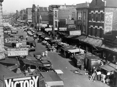 Maxwell Street, a teeming market place of Chicagos ghetto on July 22, 1939.