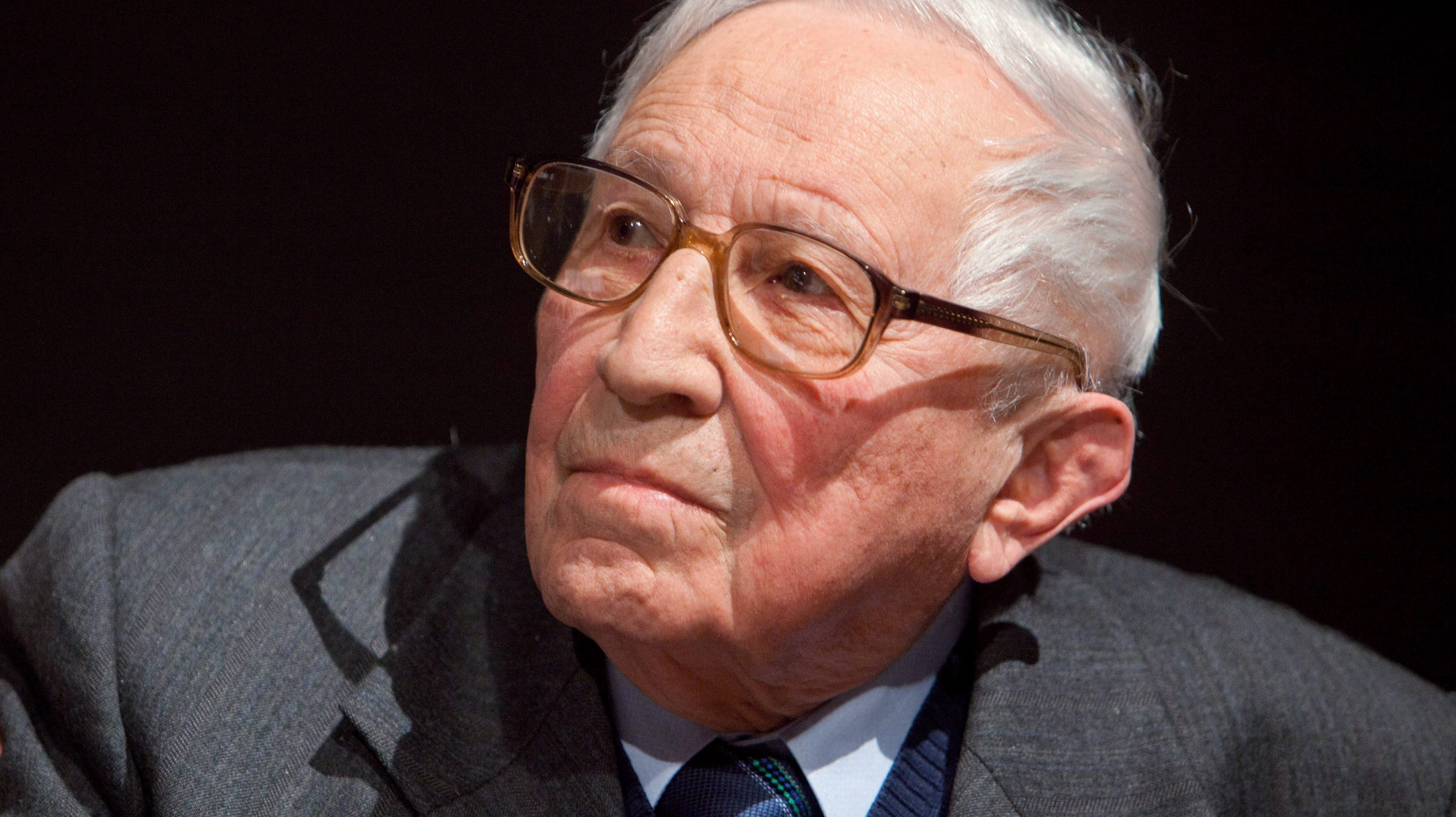 Book News: Polish Poet With Mission To 'Create Poetry After Auschwitz' Dies