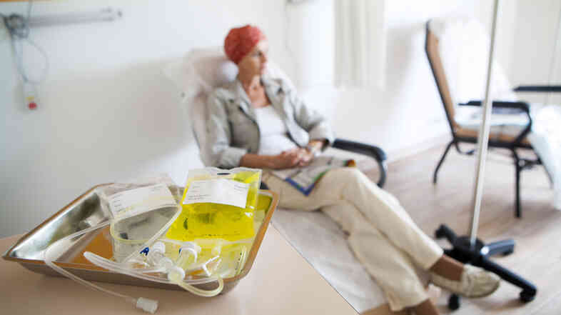 Women who had chemotherapy were more likely to lo