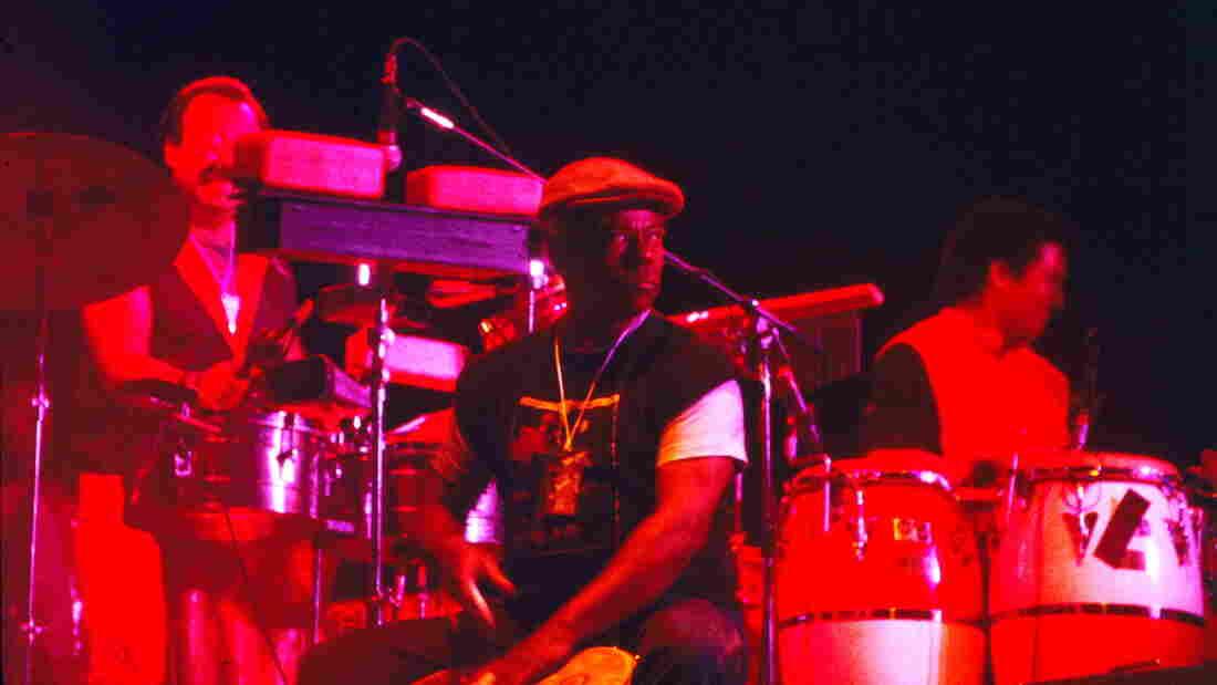 Armando Peraza, center, was a key member of Santana for nearly three decades.